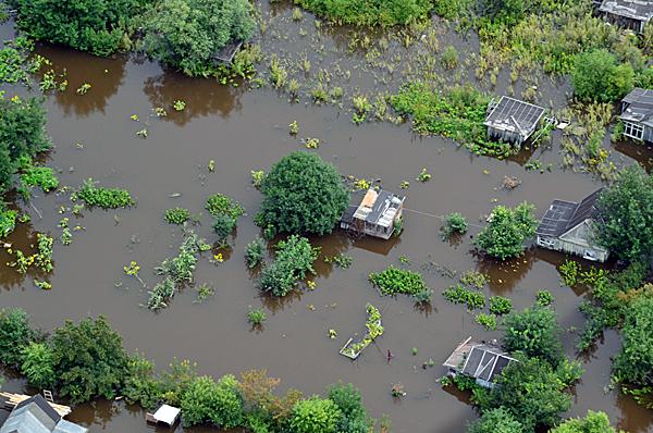 Восстановление почвы после наводнений с помощью препарта Эмикс-О (чистый воздух)